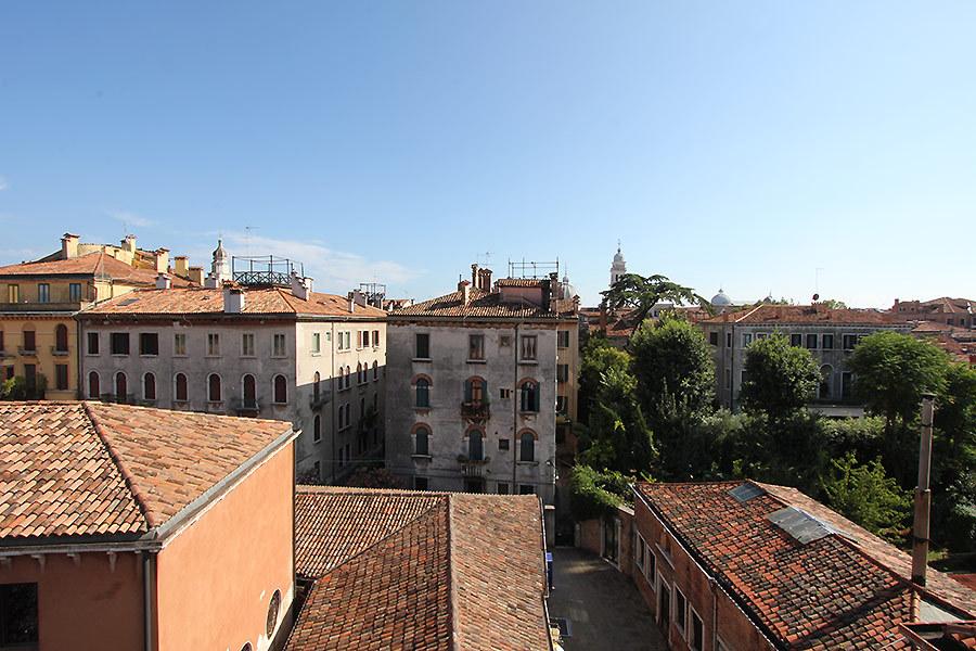 威尼斯景致公寓